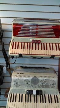 UNKNOWN Vintage Lockini Accordion Made in Italy